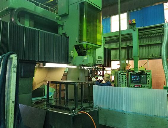 門型マシニング・五面加工機を複数台を用いた大型機械加工に対応!