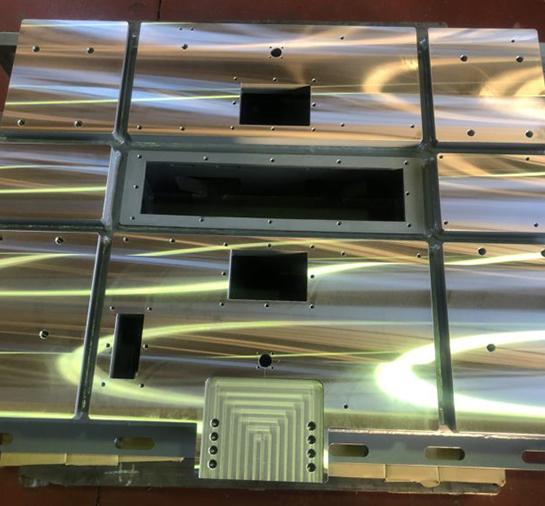 プレート・フレーム・架台等 溶接×機械加工で高精度品もOK